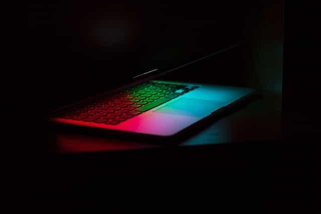 サイバーセキュリティとはなにか? サイバーセキュリティとは? サイバーセキュリティの盲点。どのようなサイバーセキュリティの選択肢があるか?マルウェアとウィルスの違いとその種類 Security-check-of-WordPress