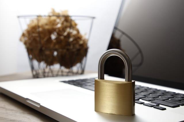 httpsとは何か SSL通信とはなにか Web上でhttps化が進んでいる httpsがWebセキュリティの向上に必要に