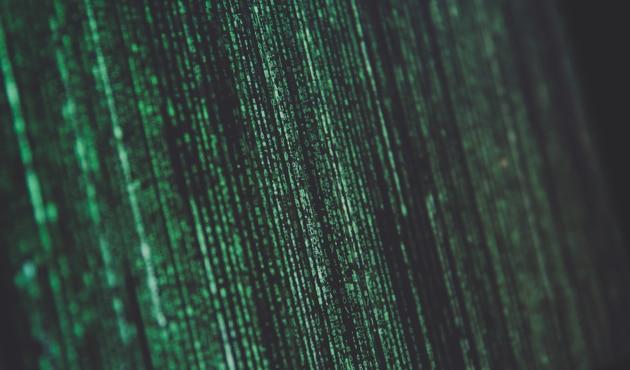 サイバーセキュリティとAIの関係性 AIを中心に攻防が繰り広げられるサイバー攻撃とセキュリティ AIを悪用したサイバー攻撃とそれを迎え撃つAIを駆使したセキュリティ AI登場以前から存在するサイバー攻撃の数々 AI技術を使って巧妙化するサイバー攻撃に対抗するセキュリティとは これからのサイバーセキュリティにAI技術は欠かせない