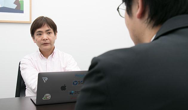 Recruit-CSIRTに学ぶCSIRTの立ち上げ方 株式会社リクルートテクノロジーズ 鴨志田 昭輝(奥) 株式会社サイバーセキュリティクラウド 取締役 CTO 渡辺洋司(前)